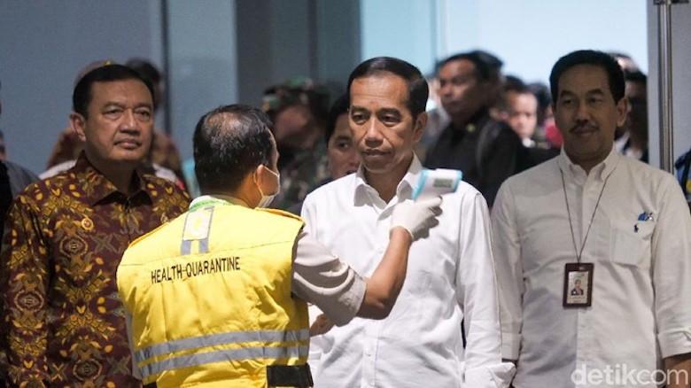 Di tengah Wabah, Ada Gerakan Pemakzulan Jokowi