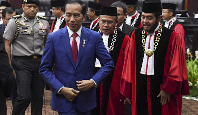 """Legacy"" Jokowi, UU Cipta Kerja dan ""Middle Income Trap"""