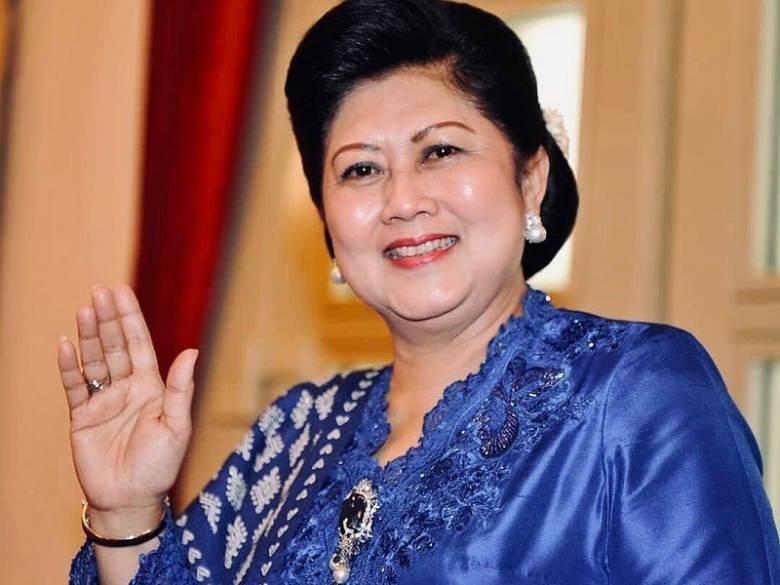 Mengenang Ani Yudhoyono [1] Kepergok Makan Durian, Dilarang Makan Ikan Bakar