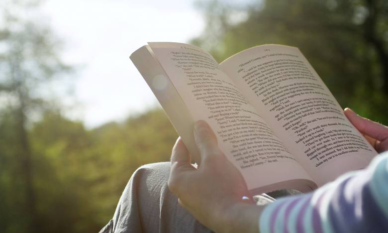 Membaca Novel, Mengapa Penting?