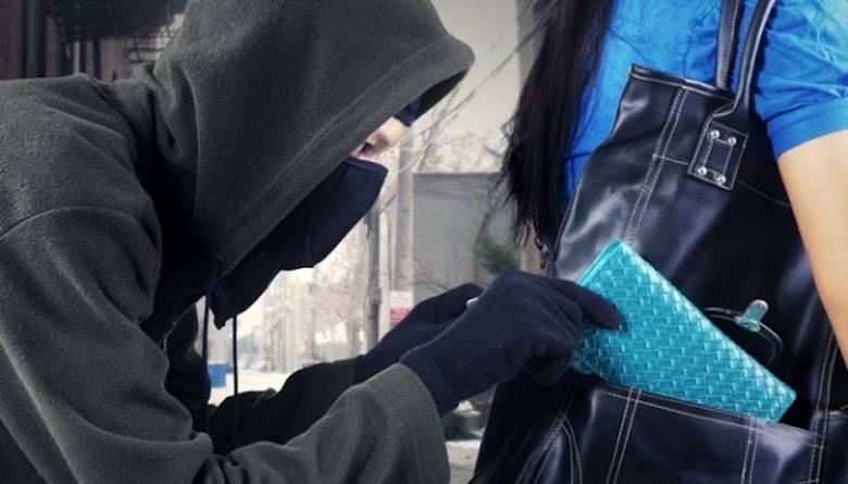 Mencuri Diam-diam Pelajaran dari Orangtua, di Situlah Perlunya Shalat Tahajud