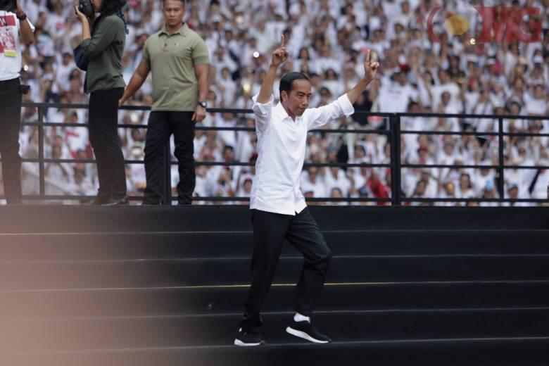 Berlari-lari Anjing Ala Jokowi