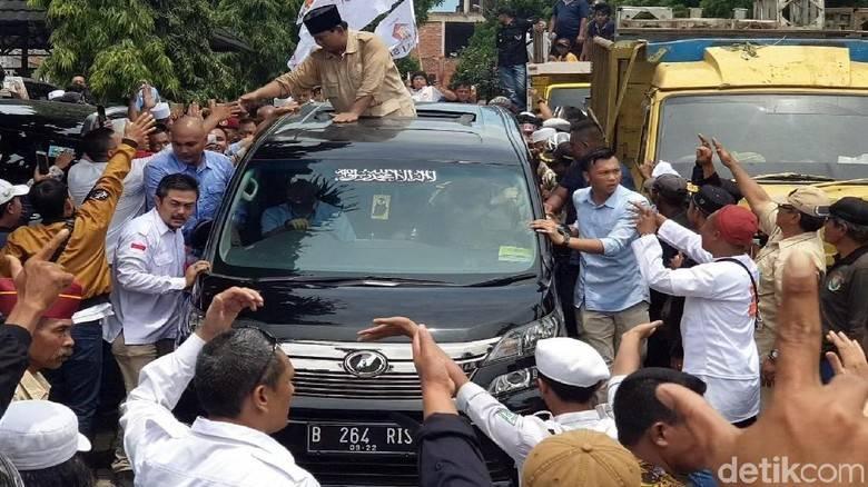 Mewaspadai Kedekatan Prabowo dengan Ketua Ormas Islam Konservatif