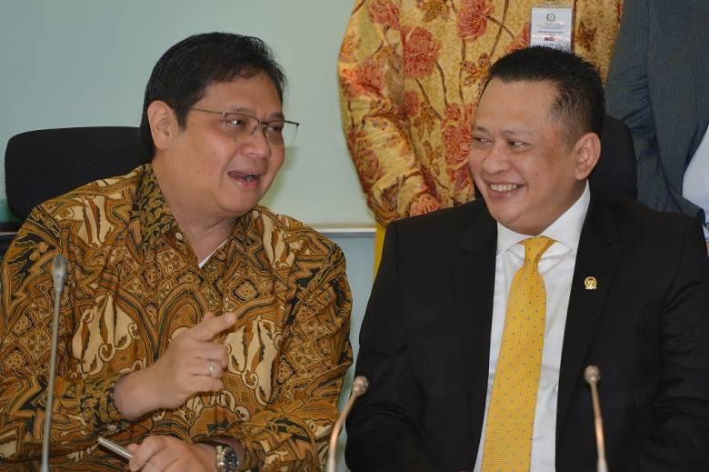 Berebut Kursi Ketum Golkar, Bambang Soesatyo versus Airlangga Hartarto