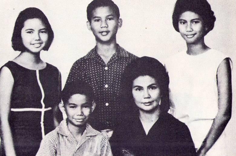 Keluarga Ibunda Prabowo Mantap Pilih Paslon Nomor 01