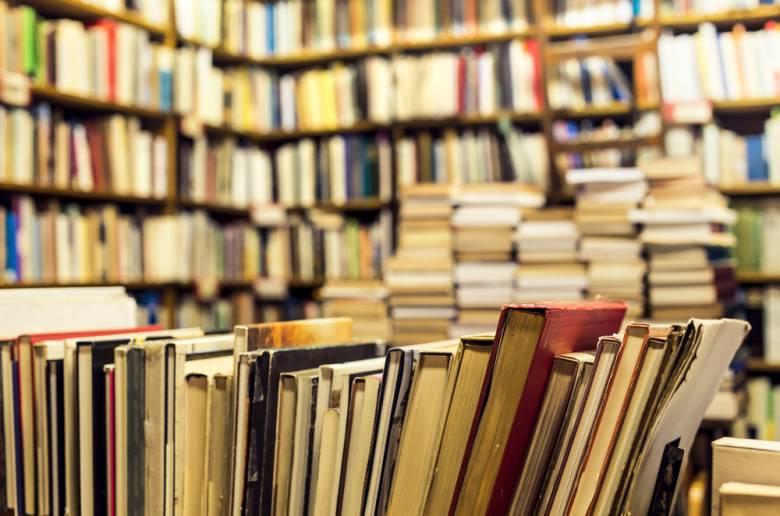 Kompas Inside [5] Membedah Lemari Koleksi Buku-buku Terlarang
