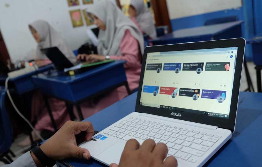 Kuliah Online, Saat Kemampuan Belajar Mandiri Menentukan Segalanya