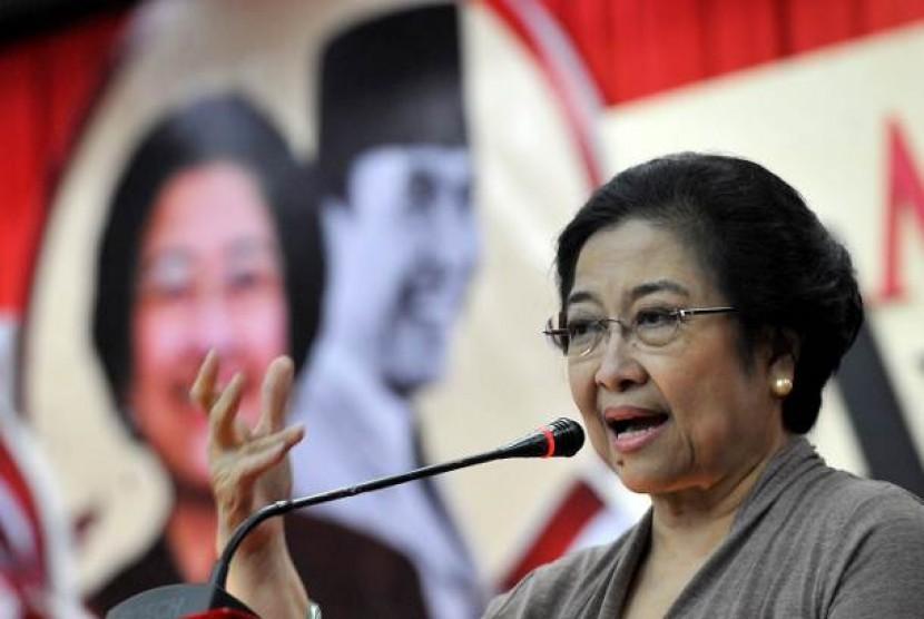 Kekuatan di Balik Diamnya Megawati