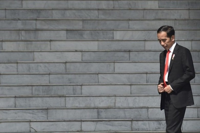 Jokowi dan Permasalahan Etik yang Melingkarinya