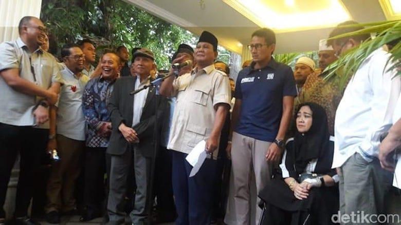 """""""Si Anak Hilang"""" Itu Akhirnya Muncul Dampingi Prabowo"""