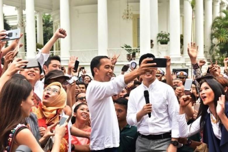 Jiwa Milenial dan Darah Seni Jokowi yang Jadi Ritme Tim Sukses