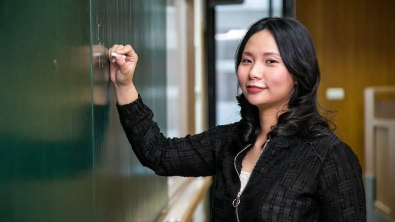 """Ketika Para Gaek """"Dibantai"""" Livi Zheng"""