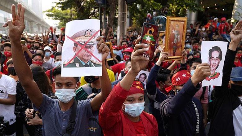 Penahanan Presiden Myanmar, Ingat Presiden Soekarno