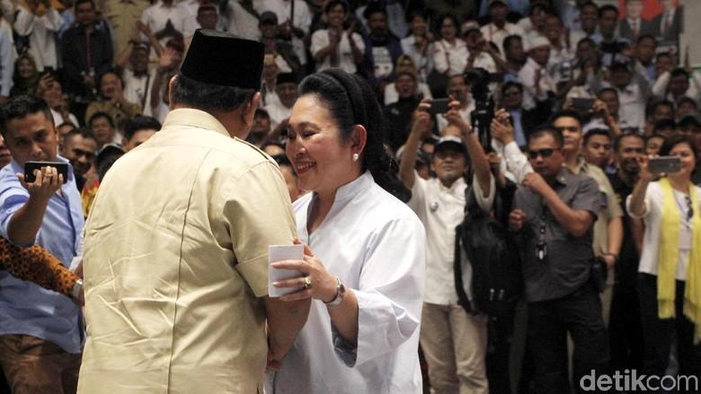 """Mamiek ke Prabowo: """"Kamu Pengkhianat, Jangan Injak Kakimu di Rumah Saya Lagi!"""""""