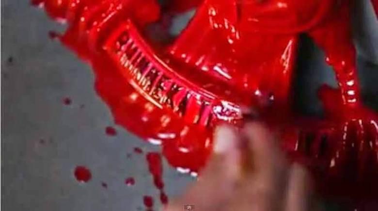 Cucilah Garuda Pancasila Merah Darah Itu!