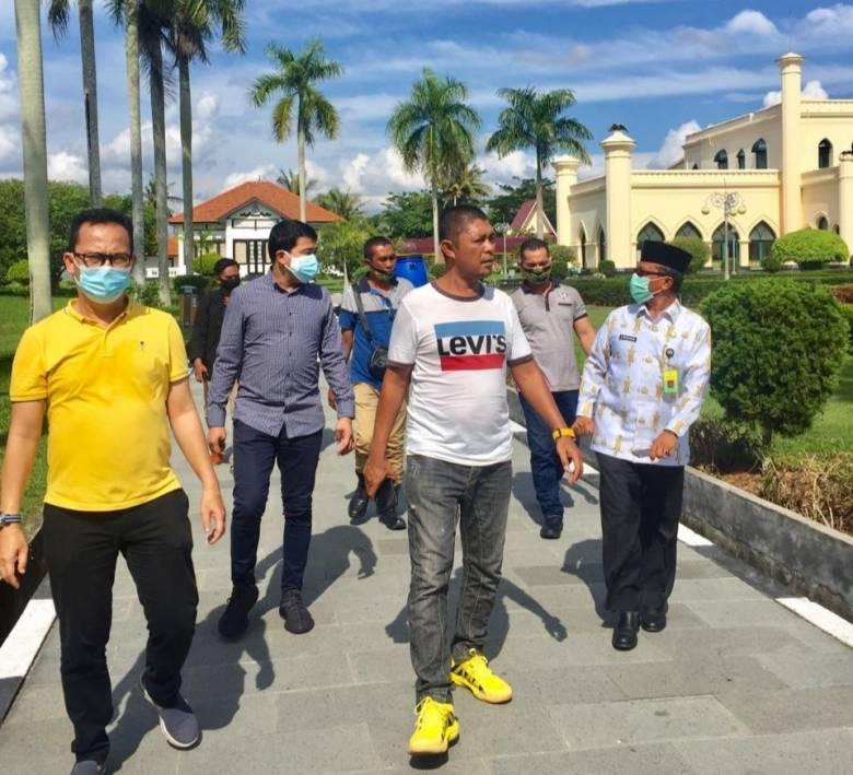 Sepulangnya dari Bengkalis, Waketum PP AMPG berkeliling Istana Siak