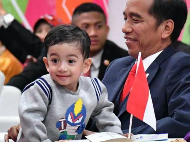 Jan Ethes Magnet Politik Jokowi?