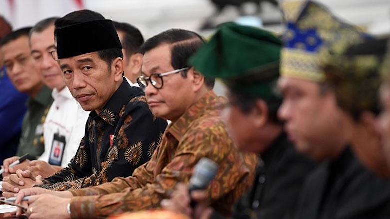 Jokowi Dikeroyok Koruptor, Teroris, Khilafah Sekaligus OPM