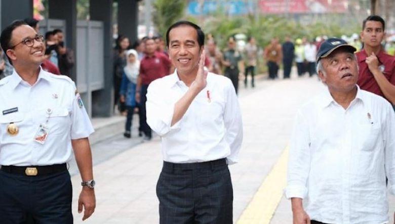 "Banjir Salahkan Jokowi, Praktik ""Post Truth"" dan ""Firehose of Falsehood"""