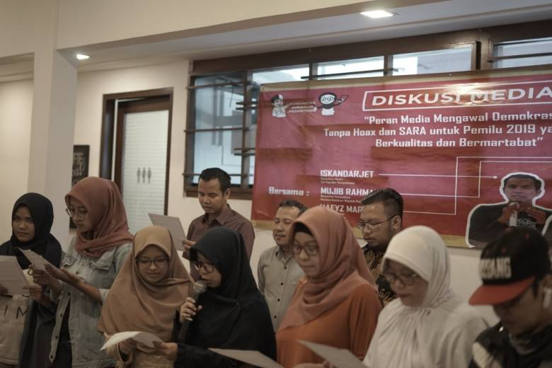 Deklarasi Lawan Hoax Jurnalis Pesantren dan Aktivis Media Sosial
