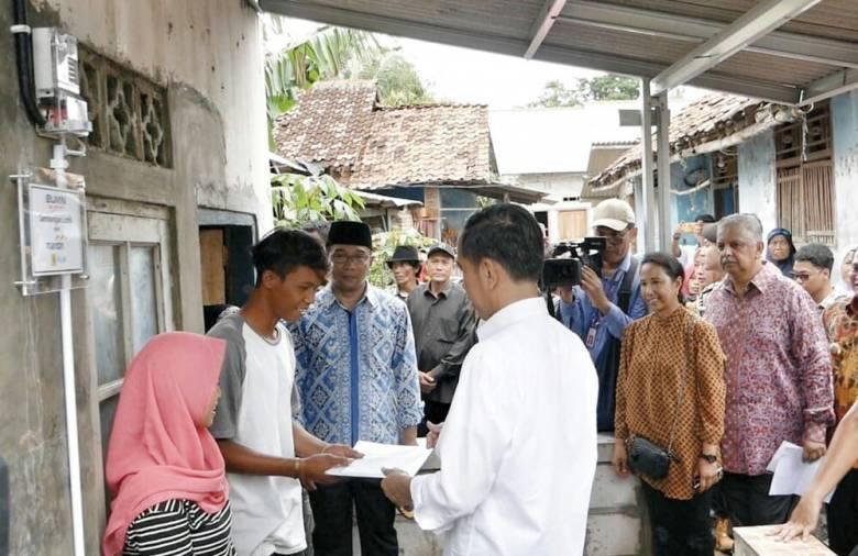 Sambungan Listrik Gratis Bukti Jokowi Pro Rakyat