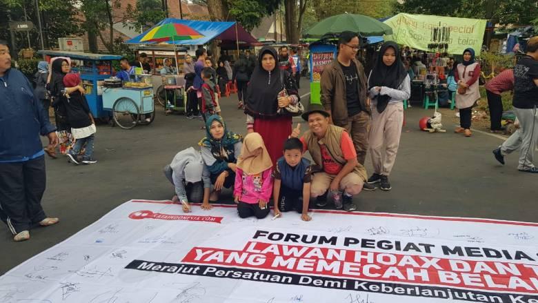 Antuasias Pengunjung CFD Bandung Dukung Lawan Hoax dan Kawal Demokrasi Konstitusional