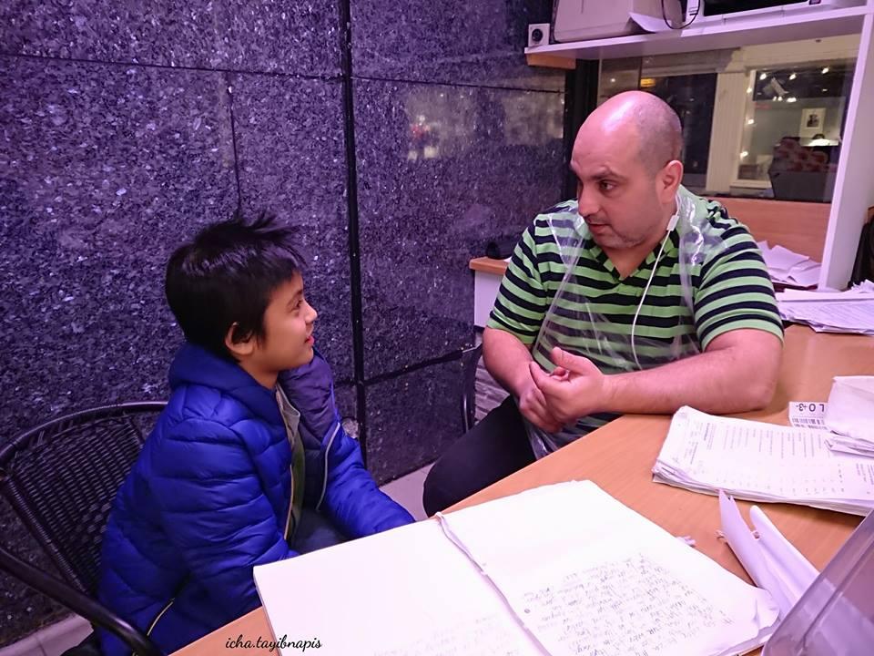 Percakapan Anak Sekolah dengan Pemilik Toko Daging