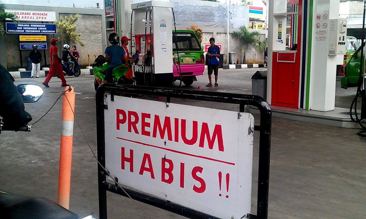 Bahan Bakar Politik dan Politik Menguapnya Premium
