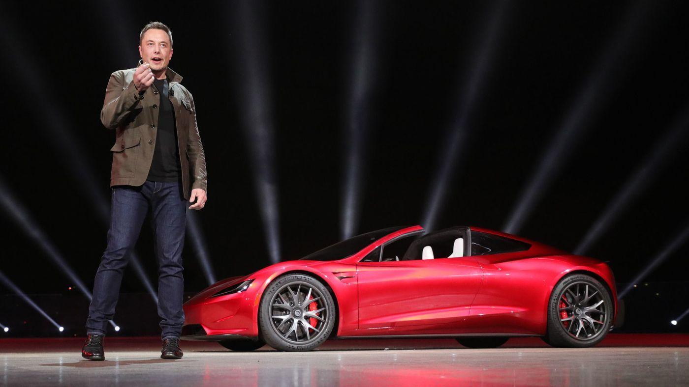Saham Tesla Melorot, Elon Musk Pun Sewot