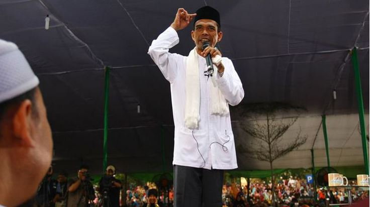 Mengapa Harus Ustadz Abdul Somad?