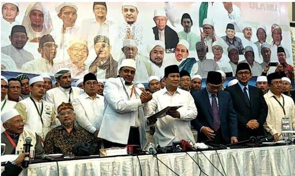 Memahami Ijtima' Ulama yang Mendukung Prabowo-Sandiaga