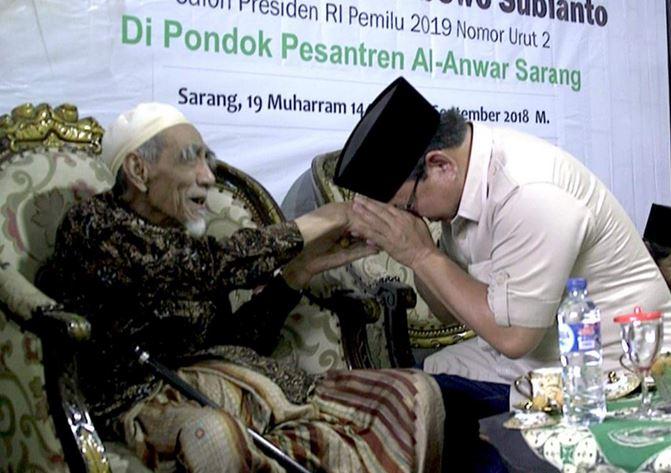 Ketika Prabowo Didoakan Kiai Maimoen dan Didukung 300 Jenderal