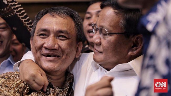 """Pelukan Prabowo kepada Orang yang Menyebutnya """"Jenderal Kardus"""""""